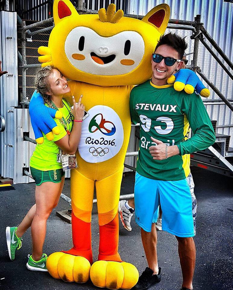 priscilla-stevaux-carnaval-rio-mascot