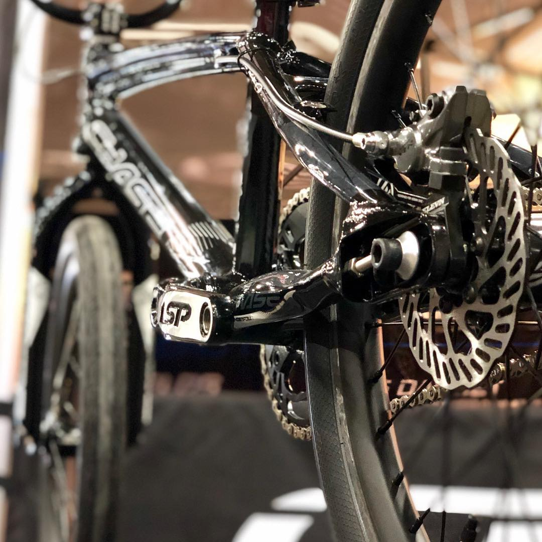 Chase RSP 4 Black Disc 1 - Chase Bicycles
