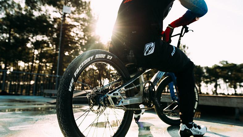 Sunn Bikes Factory Rides | Eddy Clerte & Anaia Istil