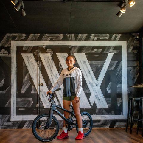 Holyee-Ann Jackson Lux BMX Bike Check Radio Solar