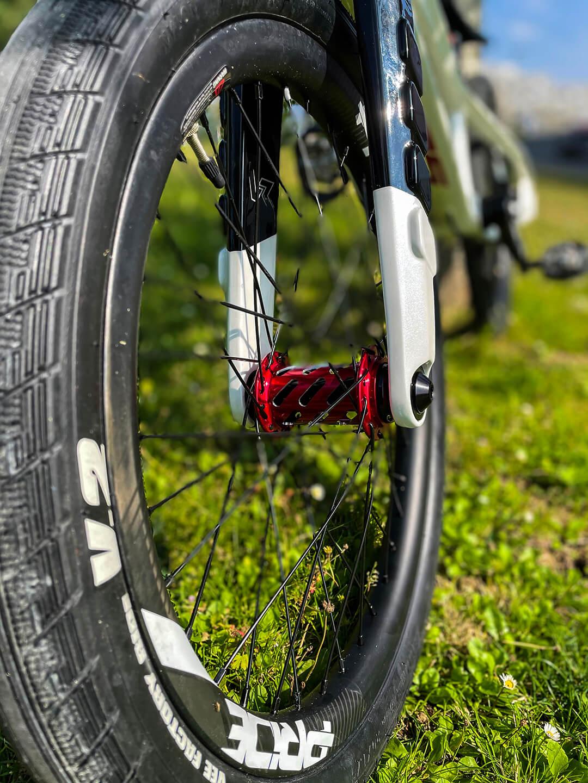 Manon Valentino Tokyo 2020 Olympic Bike front wheel - Manon Valentino